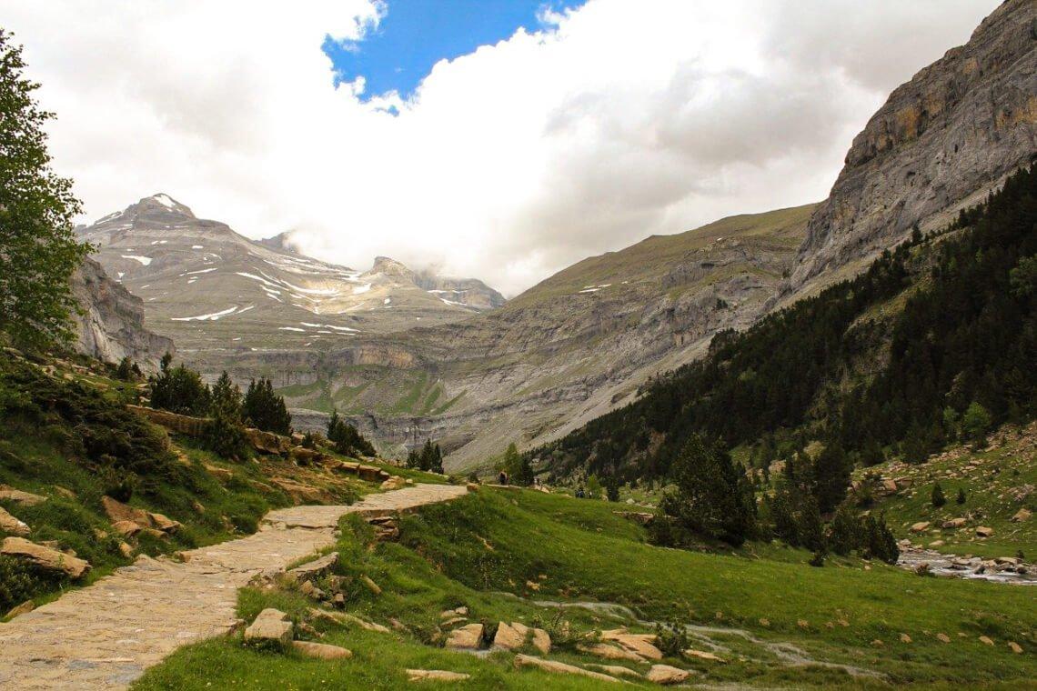 Hiking route in Ordesa y Monte Perdido National Park
